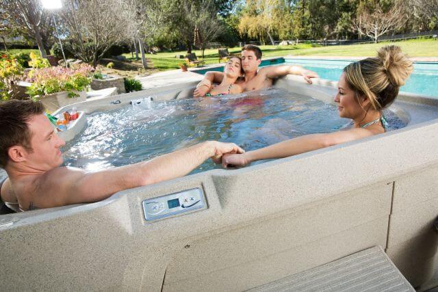 3 Reasons Why You Should Buy a Hot Tub